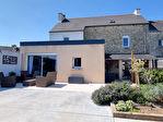 ELLLIANT Maison en pierre rénovée avec goût de 150 m² sur 239 m² de terrain. 12/13