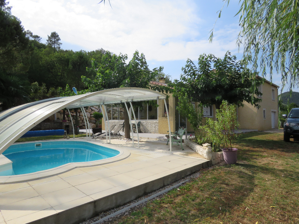 Villa excellentes prestations, bel environnement