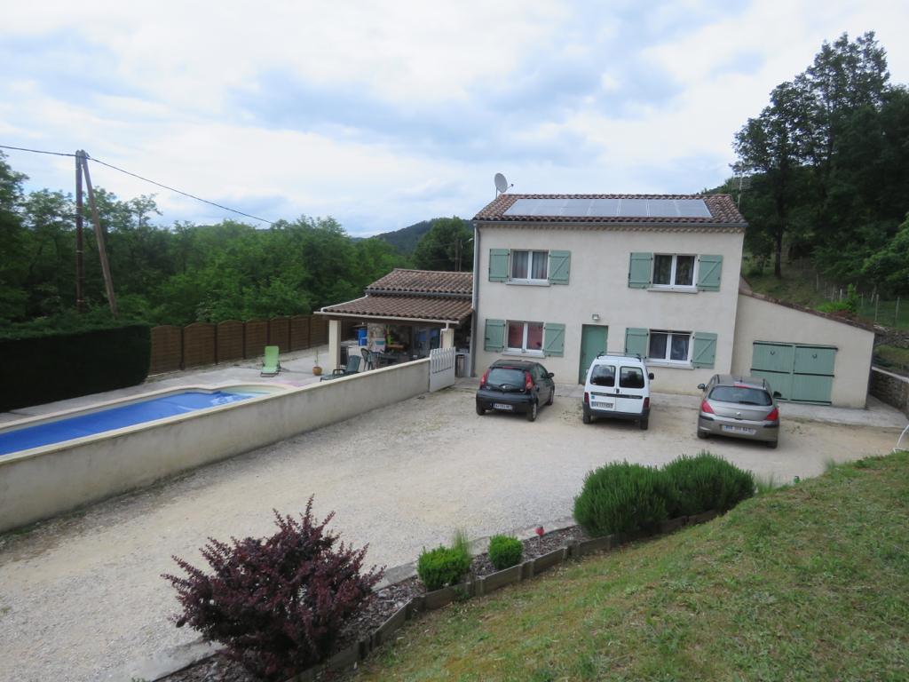 Maison avec piscine sans vis a vis