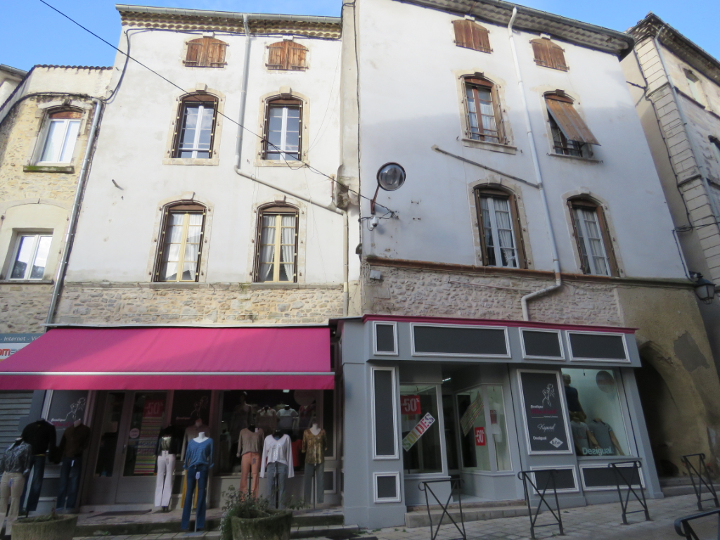 4 APPARTEMENTS + LOCAL COMMERCIAL