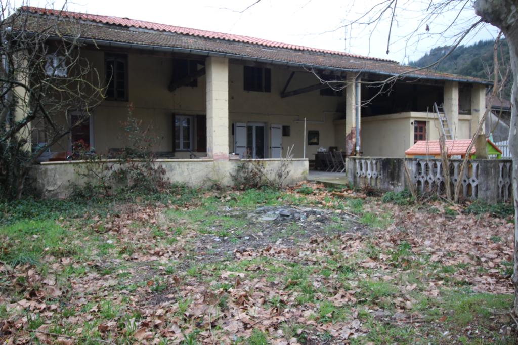 Maison Meyrannes 10 pièce(s) 196 m2