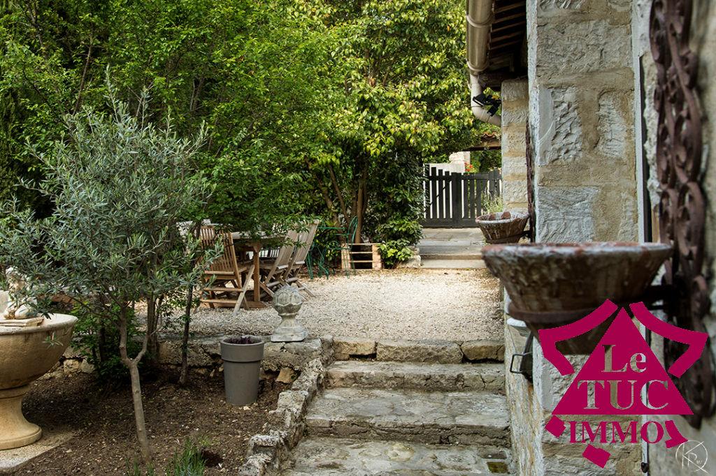 Maison  de charme Barjac 8 pièce(s) 200 m2