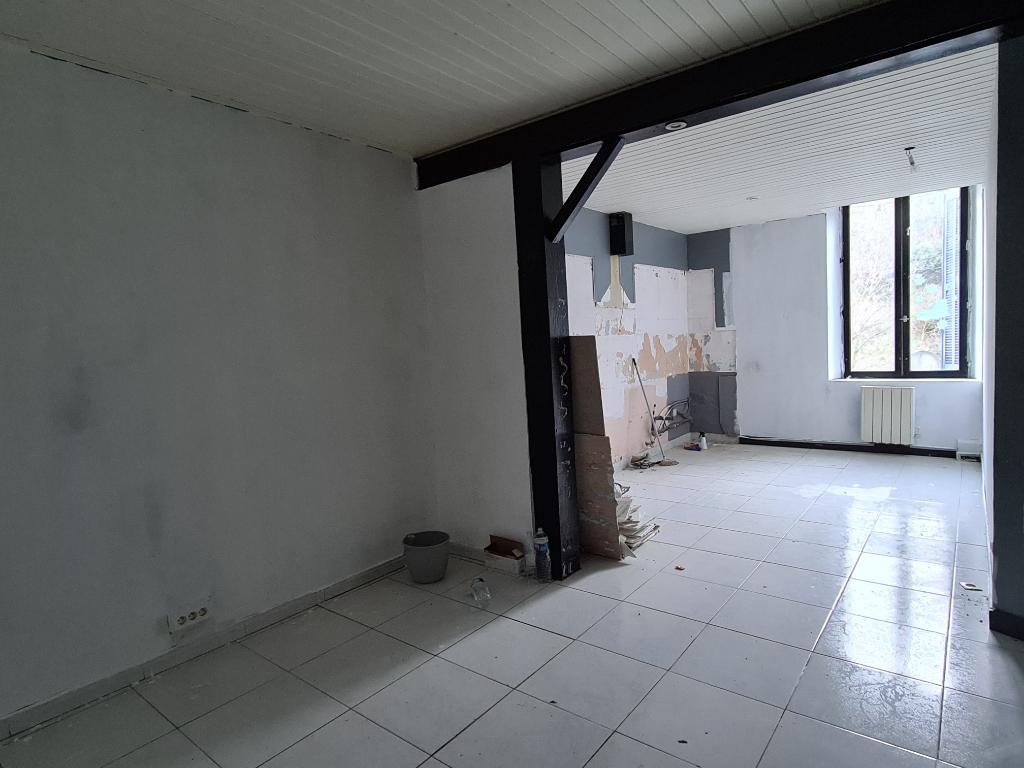 Appartement Robiac Rochessadoule 5 pièce(s)