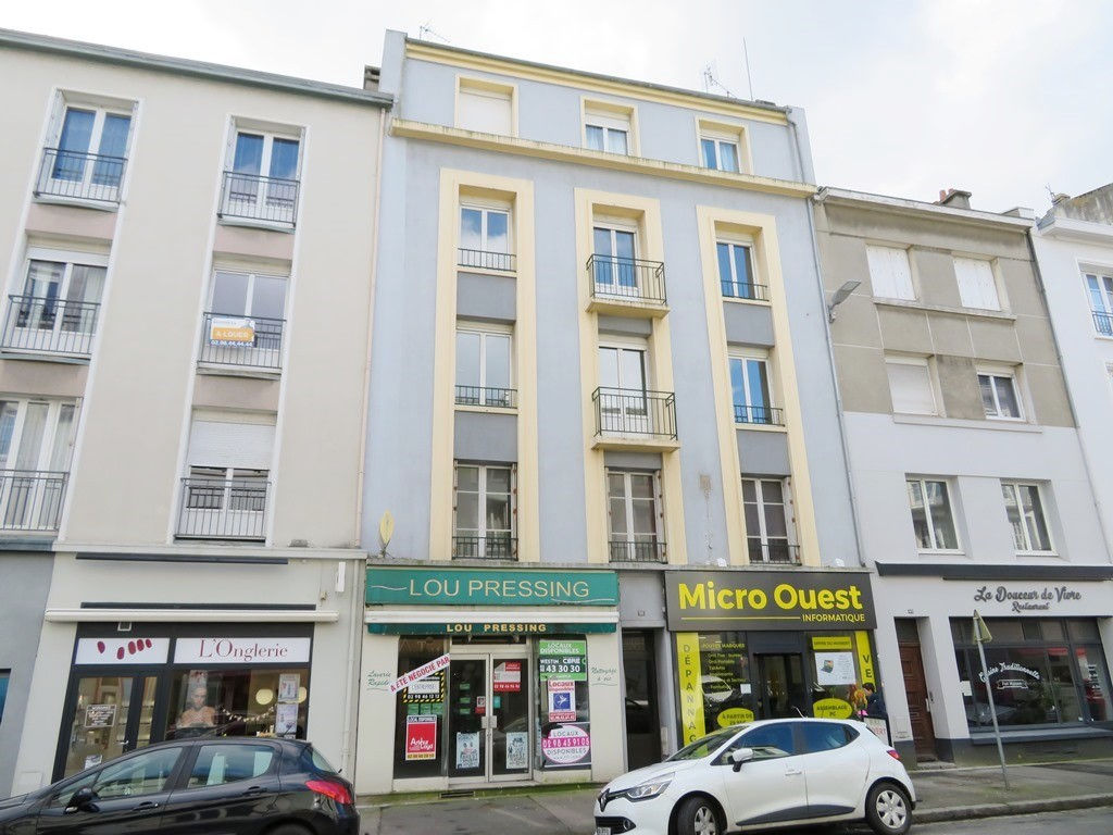 VENDU EXCLUSIVITÉ   BREST  SAINT LOUIS   APPARTEMENT T4  78,5m²  DALE BETON  BALCON