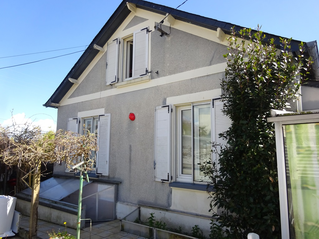 A VENDRE BREST LE GUELMEUR SAINT MARC  CHARMANTE MAISON  DES ANNEES 30 - TERRAIN CLOS DE 111 m²