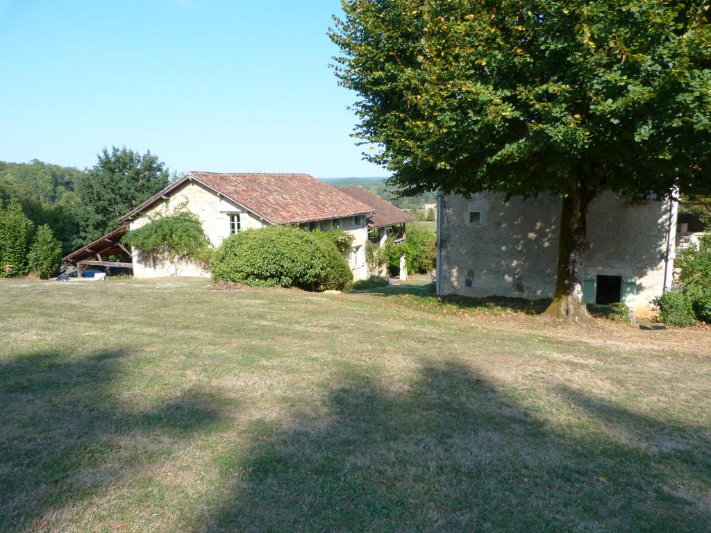 Très belle maison avec deux Gites et Piscine