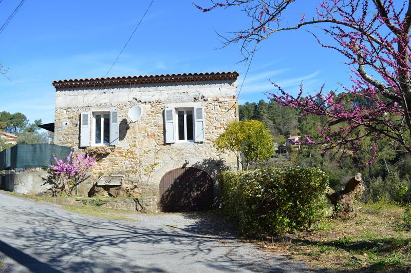 Maison  en pierre 5 pièces 110 m2 terrain 3495 m2