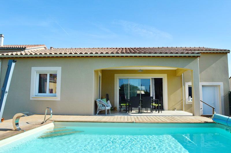 Villa  4 pièces 100 m2 terrain 615 m2 piscine