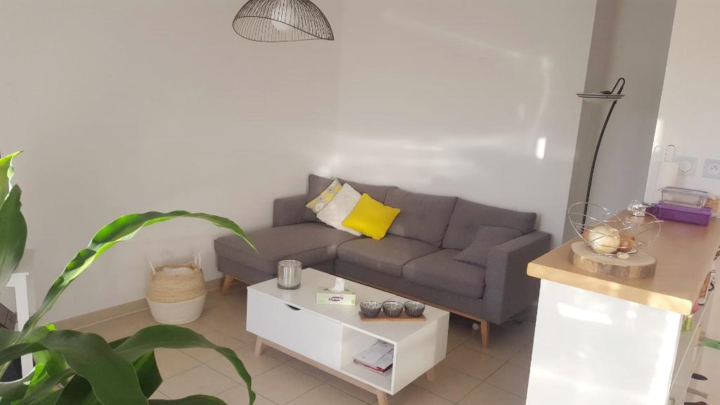Appartement Ales 2 pièces 46.78 m2 piscine dans la résidence garage