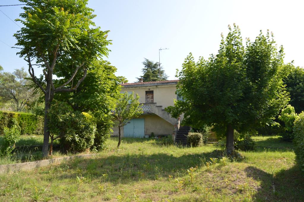 Maison de type 3 à restaurer terrain 1160 m2