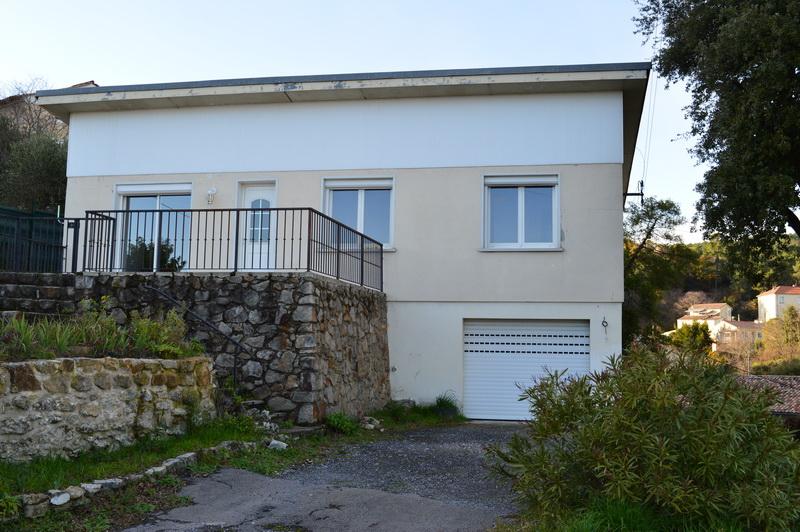 Maison  4 pièces 80 m2 terrain 925 m2