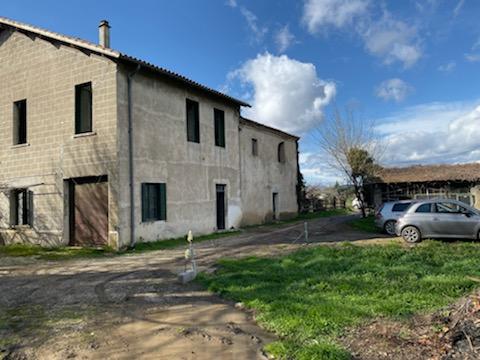 Maison  5 pièces à restaurer terrain 655 m2