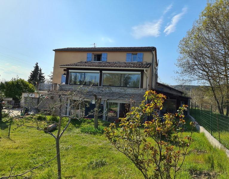 Maison Saint Privat Des Vieux  2 appartements P5 et P2 162 m2 habitables terrain 953 m2