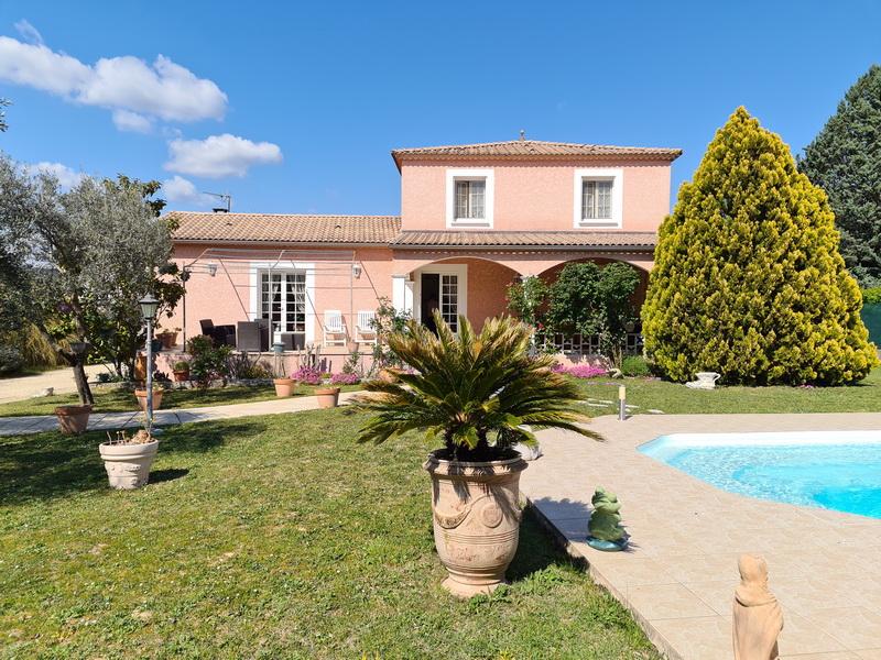 Villa  type 5 de 138 m2 hab. Terrain 1250 m2 piscine