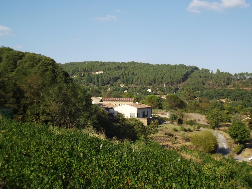 5 mn de LES VANS Villa d'architecte 140 m2 terrain 3121m2 proche baignade