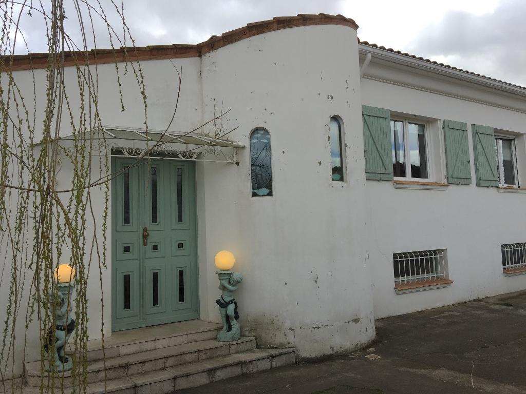Villa Lignan Sur Orb 4 pièce(s) 135 m2