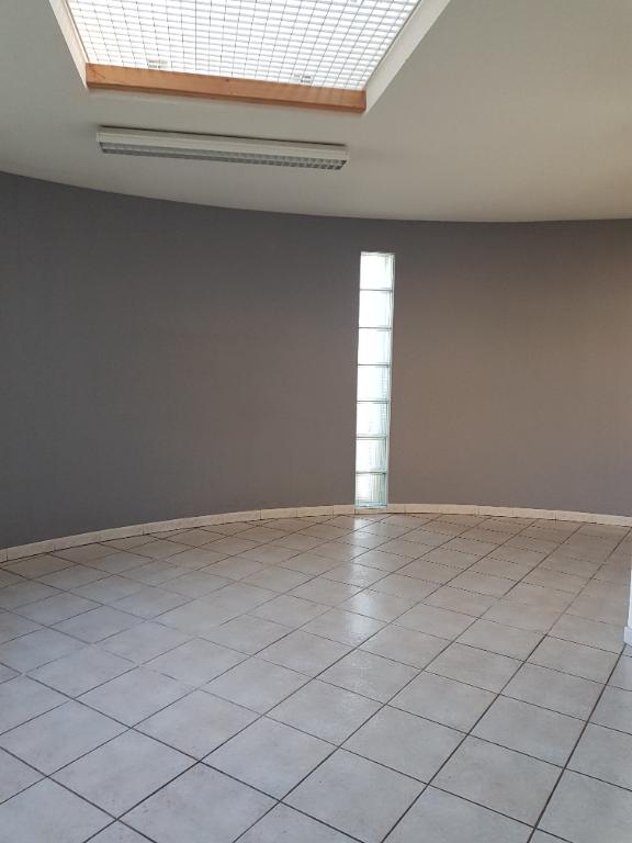 maison local 84500 Bollène 229 m2