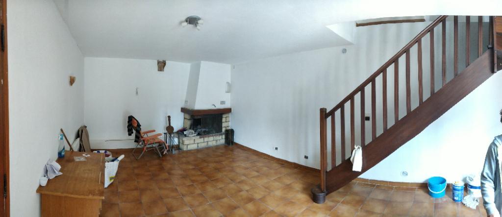 Maison 3 pièce(s) 82 m²  84820 visan