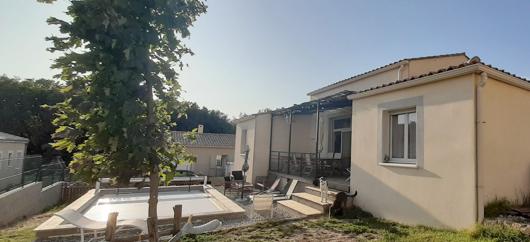 Villa  84500 Bollene 4 pièce(s) 86 m2