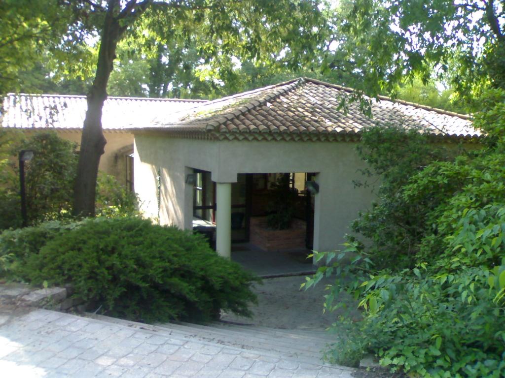 Villa Pont Saint Esprit 9 pièce(s) 335 m2 sur 2822 m² de terrain