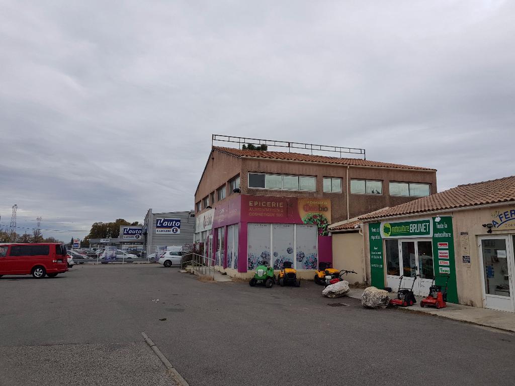 Local commercial Saint Paul Trois Chateaux 246 m2