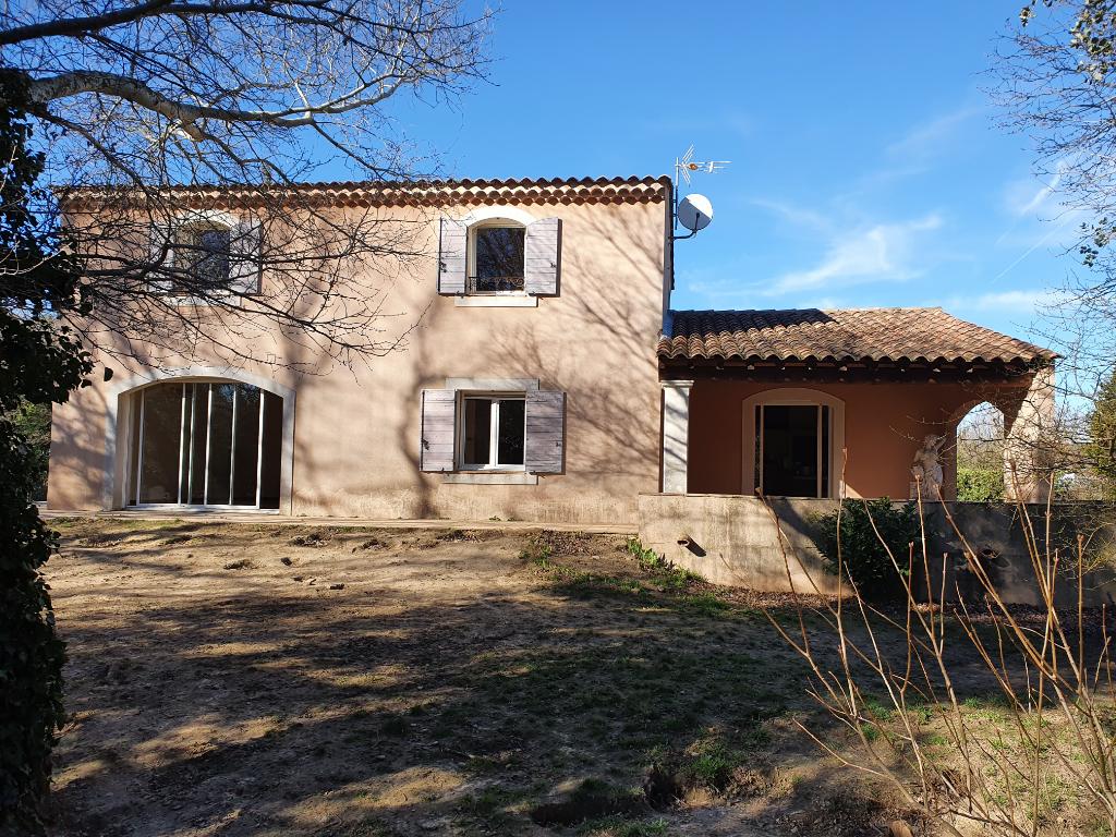 Maison 84420 Piolenc 4 pièce(s) 156.53 m2