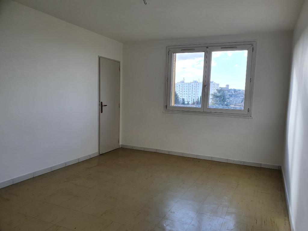 Appartement 84500 Bollene 3 pièce(s) 58.46 m2