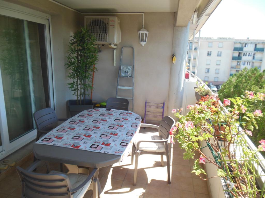 Appartement  Bollene 84500 3 pièce(s) 83.50 m2