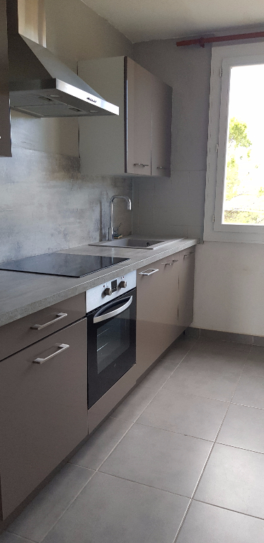 Appartement 84840 Lapalud 4 pièce(s) 69 m2