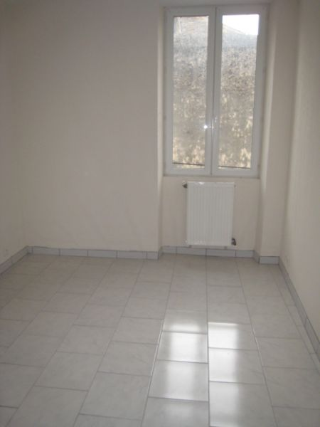 appartement 3 pieces 84500 bollene