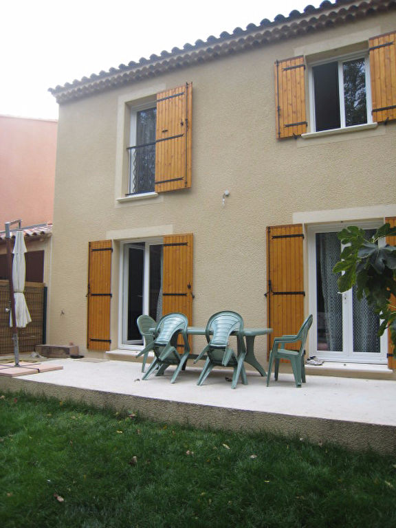 Villa Mondragon 4 pièce(s) 100 m2