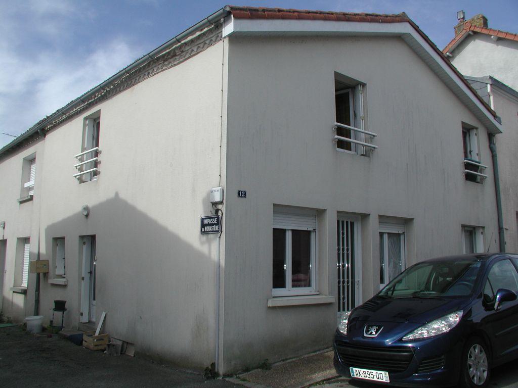 BOISME - Maison de bourg avec jardinet et garage