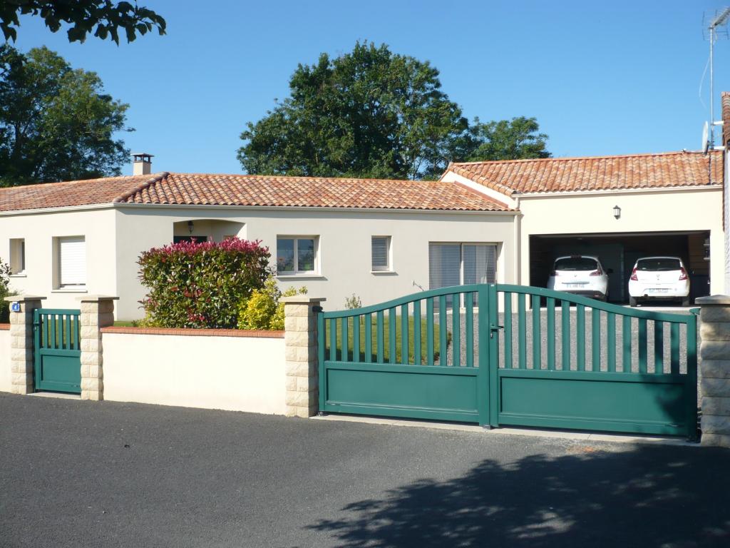 LA CHAPELLE ST LAURENT - Magnifique pavillon de plain-pied