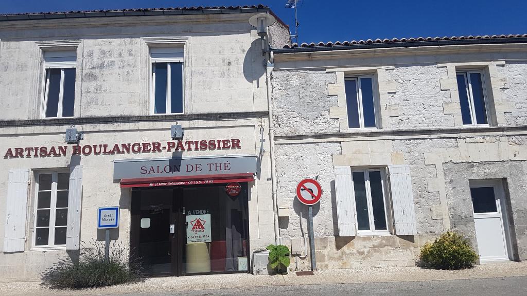Local commercial Tonnay Boutonne 3 pièce(s) 136 m2 + appartement