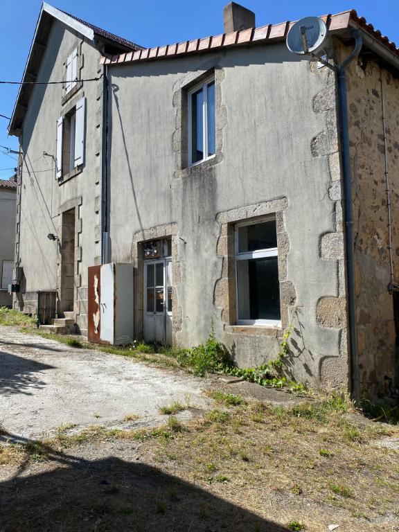 Ensemble immobilier La Chapelle Saint Laurent