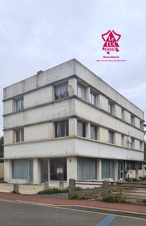 Immeuble Bretignolles Sur Mer 18 pièce(s) 300 m2