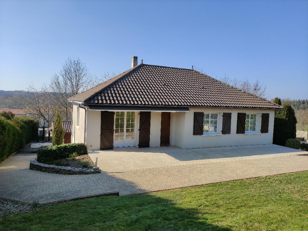 5 min Bressuire : Maison de 154 m2, 6 pièce(s), 4 chambres