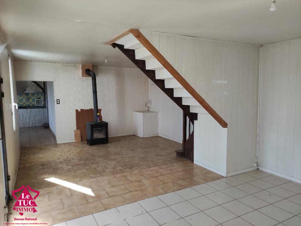 A 5 min de BRESSUIRE - Maison 5 pièces, 3 chambres de 120m²