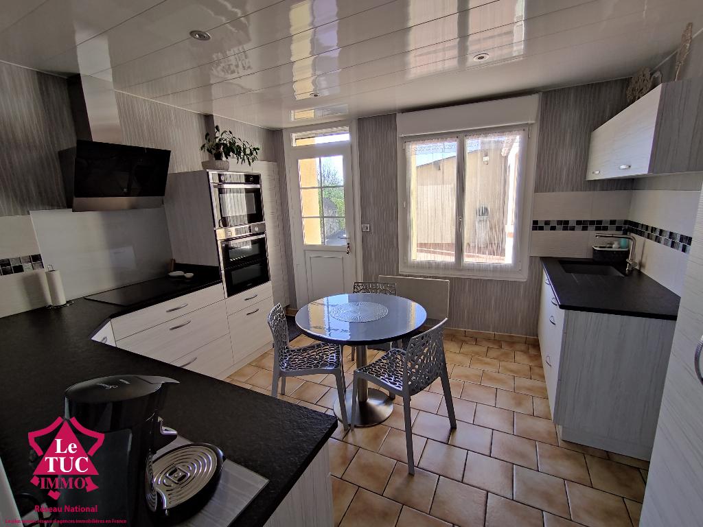 Clazay : Maison  6 pièce(s) d'environ 130 m2 avec dépendances de 180 m²