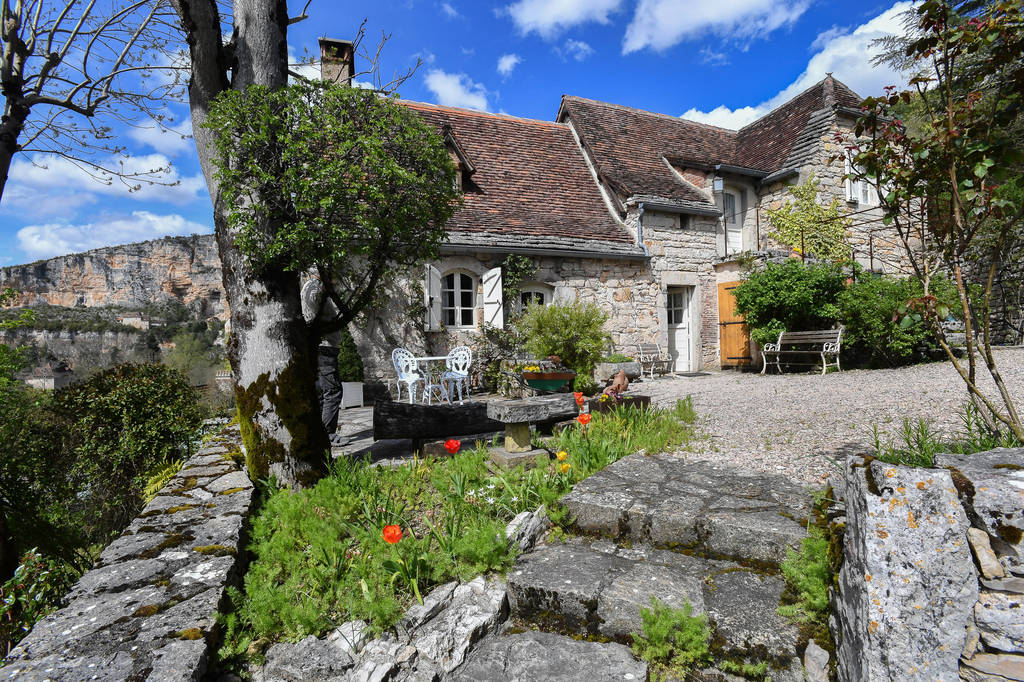 Rare : superbe Maison  + gîtes  au coeur du parc régional des Causses du Quercy