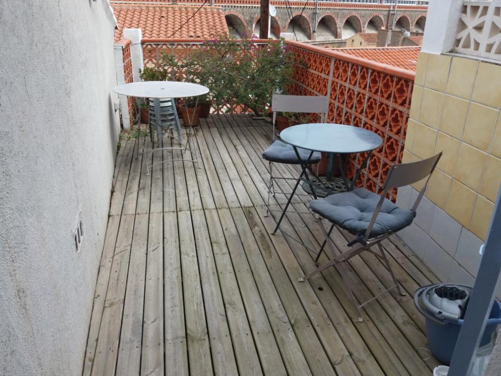 MAISON  DE VILLE . 62 m² . TERRASSE