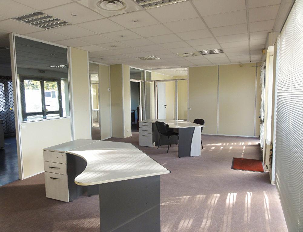 Local commercial - Bureau 113 m² entre nouvelle Gare et Poste de CHAMBERY