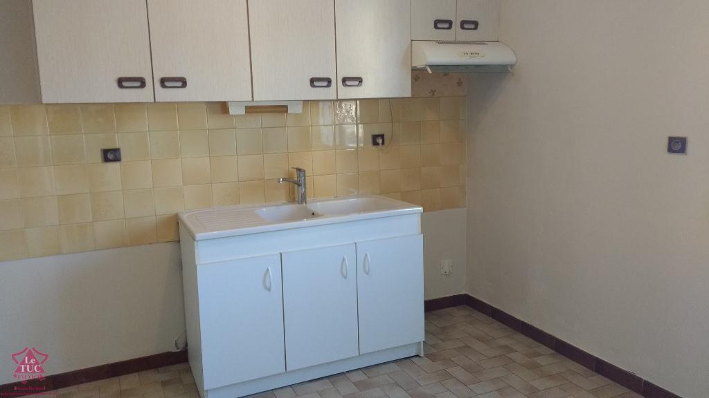 FEURS Appartement T2 - RDC