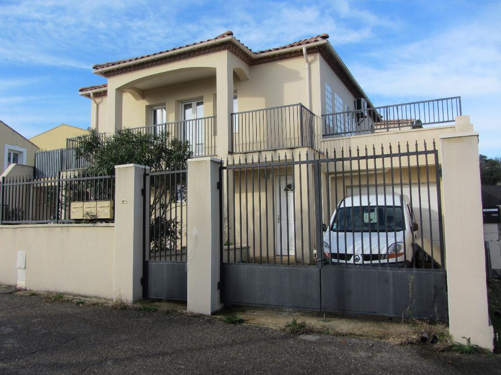 Villa  6 pièces de 120 m2  sur terrain 340 m2 , vue dégagée
