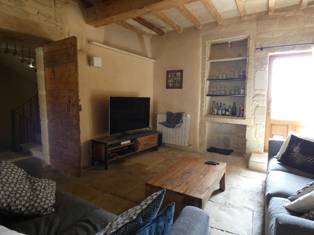 EXCLUSIVITE : Maison de village du 18ème avec terrasse