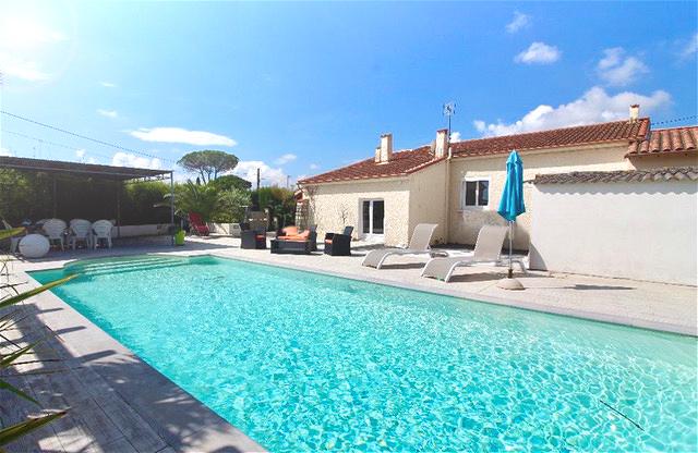 Villa P5 de 152 m2, avec piscine sur 1000 m2 de terrain