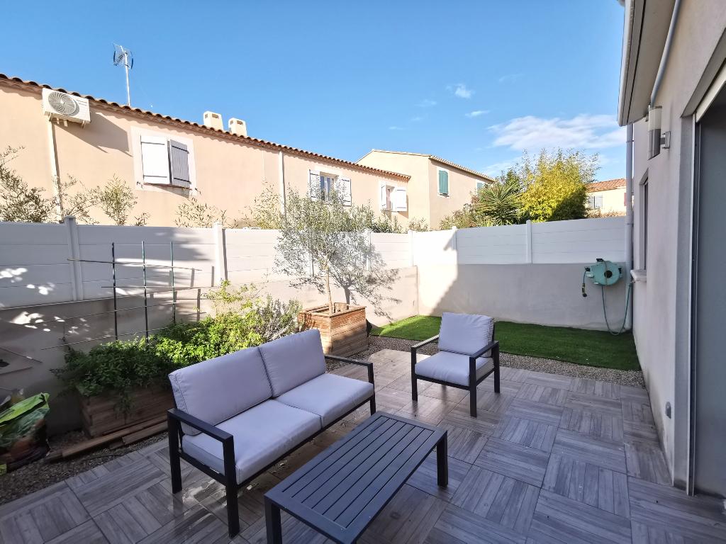 EXCLUSIVITE : Villa en R+1 de 100 m2, plus garage sur un terrain de 110 m2