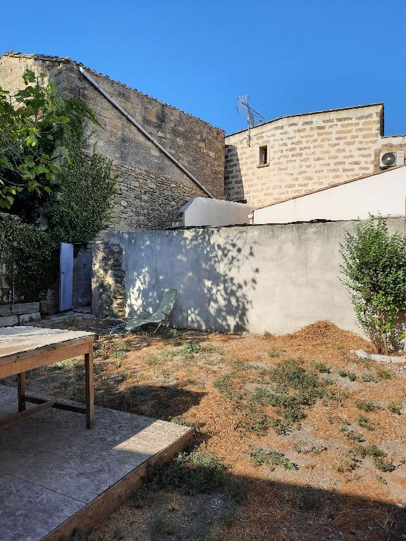 Maison de village, de type 4 pièces, de 85m2  + Jardin 94m2
