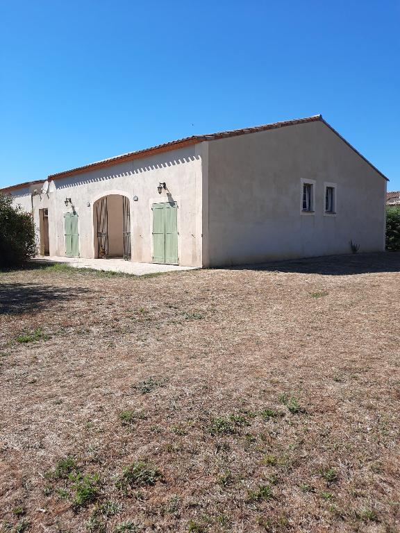 EXCLUSIF  : Villa meublée , P 3 de 45 m2 avec jardin et parking