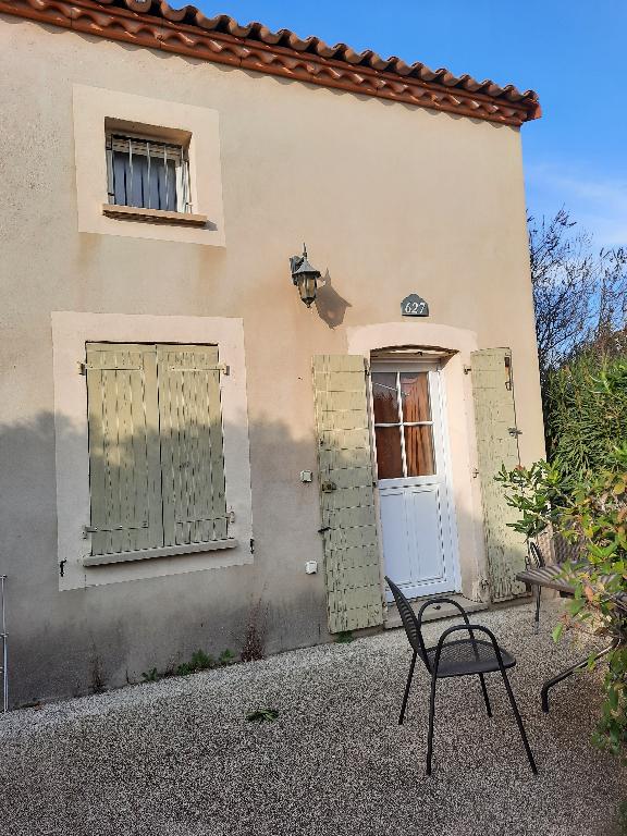 EXCLUSIF : Villa meublée ,P2 35 m2, terrasse, jardin et parking